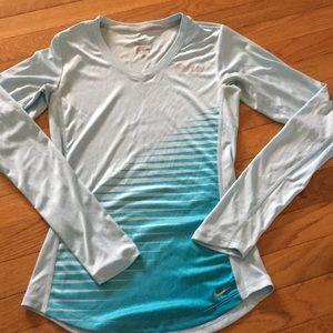 Nike drifit xs run long sleeve